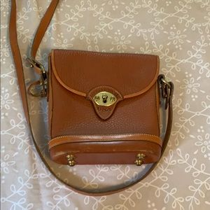 Vintage Dooney & Bourke crossbody bag.
